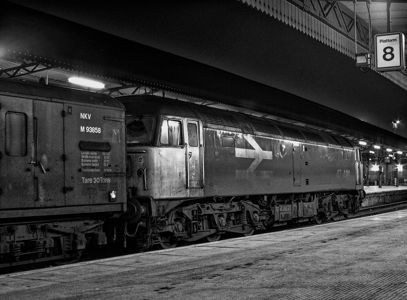 47481 at Bristol Temple Meads with an unidentified vans working, on 4th January 1990.