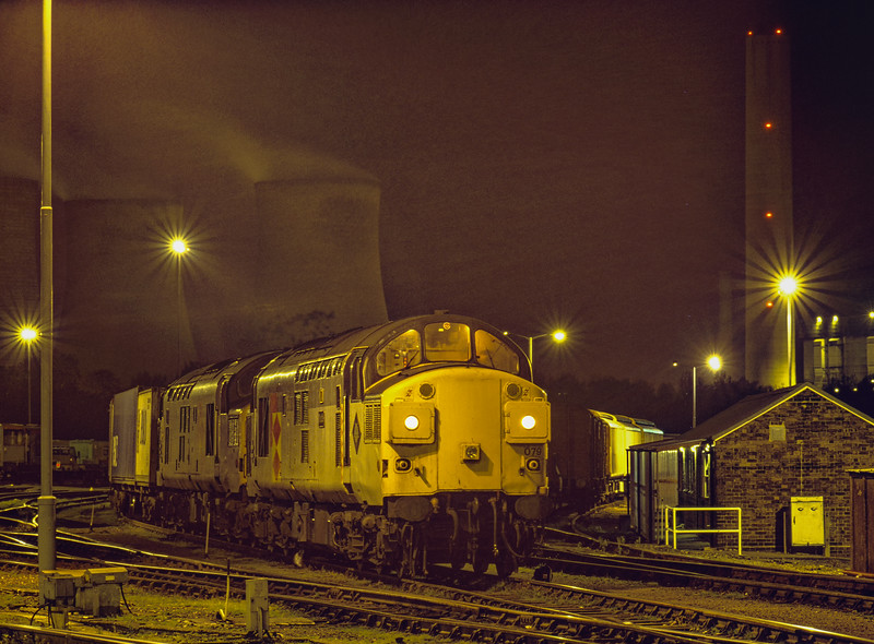 37079 and 37031 with 4O94, Trafford Park - Southampton MCT, pause in Didcot Yard, <br /> on 10th October 1992.