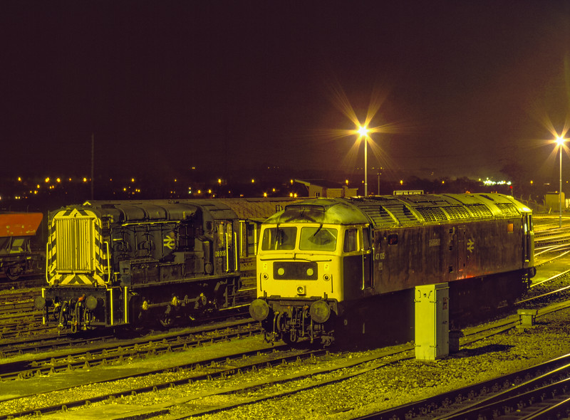 47105 and 08905 in Didcot Yard, 3rd January 1992.
