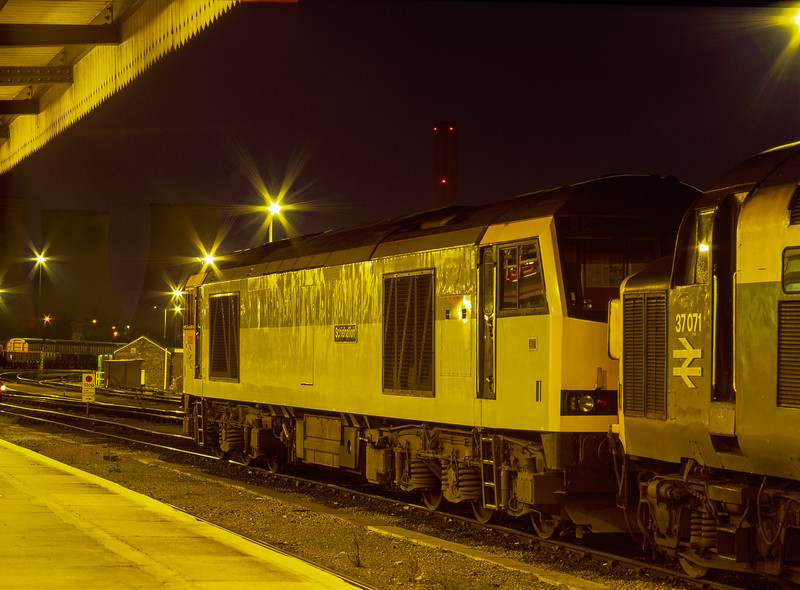 37071 and 60086 on the Loco Holding Sidings at Didcot on 21st April 1995.