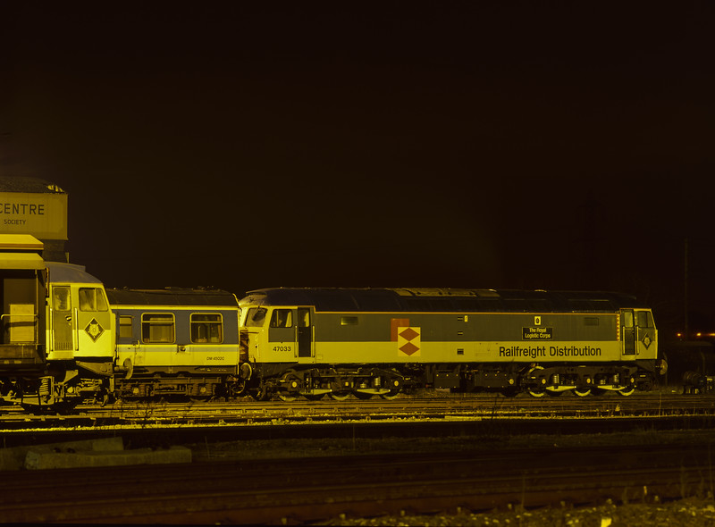 47033 and 47297 in Didcot Yard, 15th February 1997.