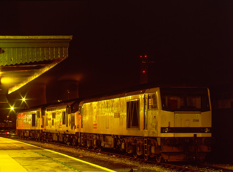 60096, 37898 and 60066 on the Loco Holding Sidings at Didcot on 16th January 1999.