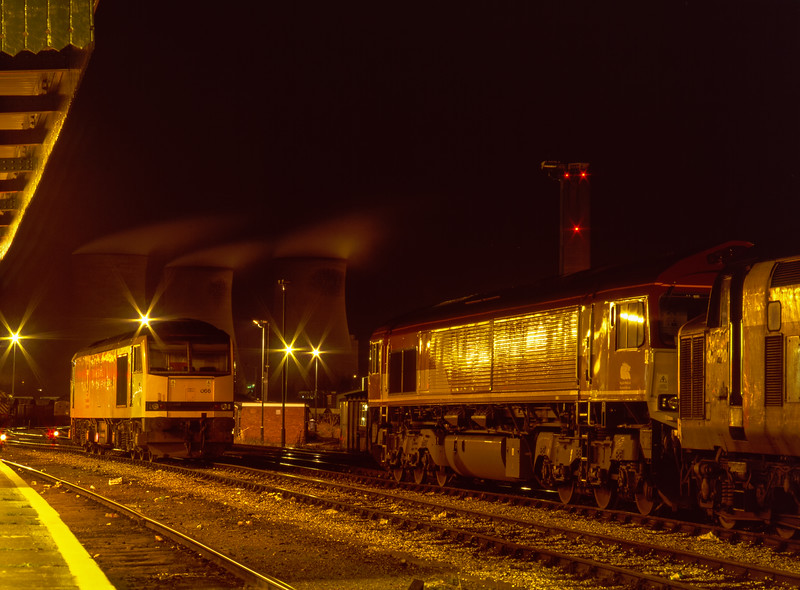60066, 66021 and 37230 on the Loco Holding Sidings at Didcot on 16th January 1999.