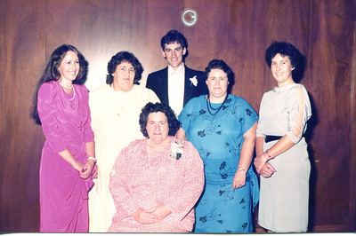 The Tucknotts. Left to right - Christine, Margaret, Graham, Jenny, Wendy. Aunty Edna at the front.