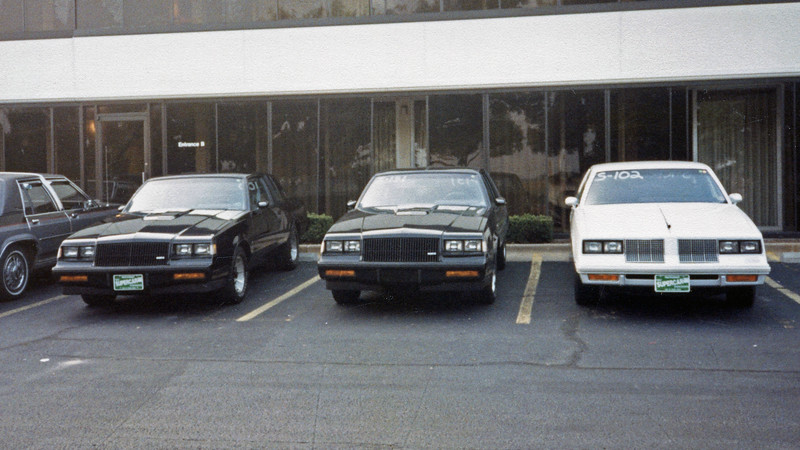 After Friday time trials, everyone headed back to the hotel parking lot to get their car cleaned up, myself included.  The scene was the same as it was last year with one key difference.  Buick fitted an intercooler to its 3.8L turbocharged Grand National in 1986 and created a legit 13 second car.  The 1986 event featured a couple of Grand Nationals and Regal Turbos.  But the Buick contingent showed up en masse in 1987, thus giving the muscle car era some 1980s competition.  I loved this event even though my 16 second machine wasn't competitive.  To be among all that horsepower was a wonderful experience.