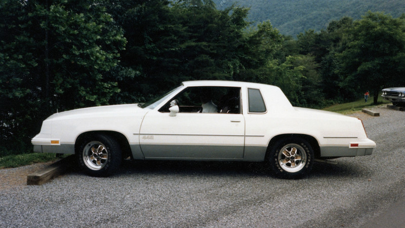 The 442 was a performance oriented upgrade for the Cutlass Salon.  The package featured a 307 CID V-8 that made 180 hp, a 200R4 4-speed automatic transmission, and a 3.73 rear axle ratio.
