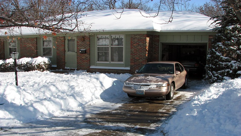 December 1, 2006 snow storm in Columbia, Missouri.