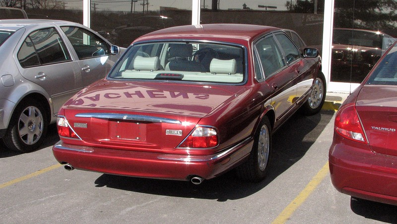 January 24, 2008:  I traded my aging 1996 Lincoln for this 1998 Jaguar XJ8-L.