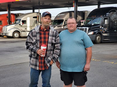 Jeremy and the whole Cross family met up with BigRigSteve in Jefferson City, Virginia on November 24, 2020. Jeremy wasn't around when the rest of the Cross family got their pics taken but now he is included!