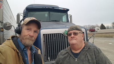 Aaron from Walnut Ridge, Arkansas caught up with BigRigSteve in January 2020
