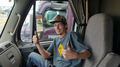 Issac from Aurora, Illinois met up with BigRigSteve at the Chicago 55 truckstop in Bolingbrook on October 6, 2018