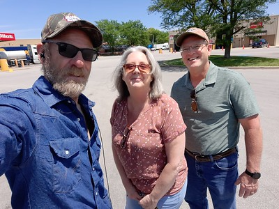 PerkyPerky and Chad with BigRigSteve at the Pilot in Bloomington, Illinois May 30, 2021