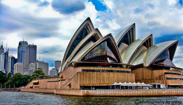 SYDNEY OPERA HOUSE WATER VIEW
