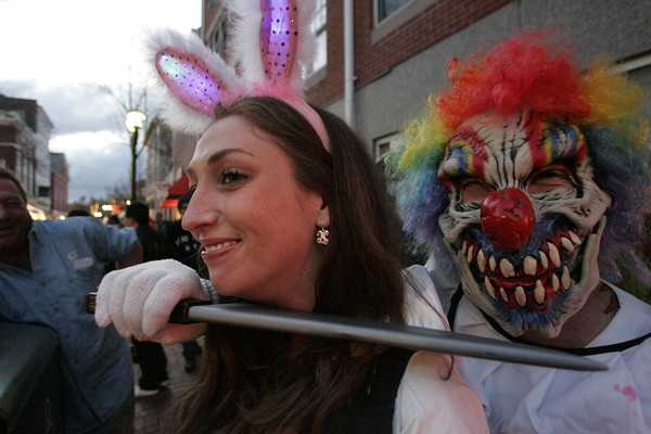 Jackie Thompson of Kingston, left, and Punchy O'Brien of Salem strike a pose together at the pedestrian mall during Halloween in Salem.<br /> Photo by Ken Yuszkus.