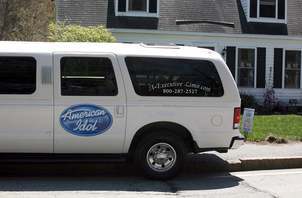 AMY  SWEENEY/Staff photo<br /> A limo waits for American Idol Angie Miller outside her home on Essex Street in Beverly.