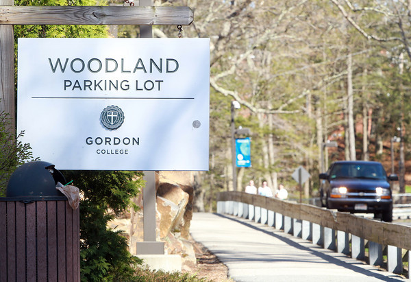 Wenham: There have been multiple reports of items being thrown at Gordon College students as they use the walkway along Grapevine Road in between the Woodland Parking Lot and the Main Entrance. David Le/Salem News