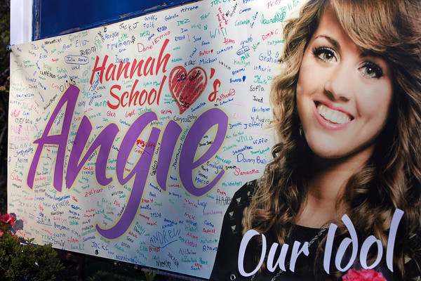 Peabody: Students from the Hannah Elementary School on Brimbal Ave in Beverly signed a banner for Angie Miller and hung it outside for all to see. David Le/Salem News