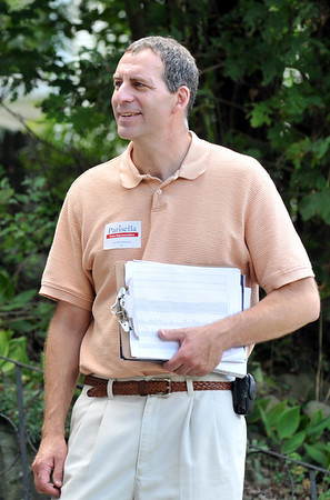 Beverly: State Representative candidate Jerry Parisella campaigned door to door along in the Ryleside nieghborhood on Sunday.  photo by Mark Teiwes / Salem News