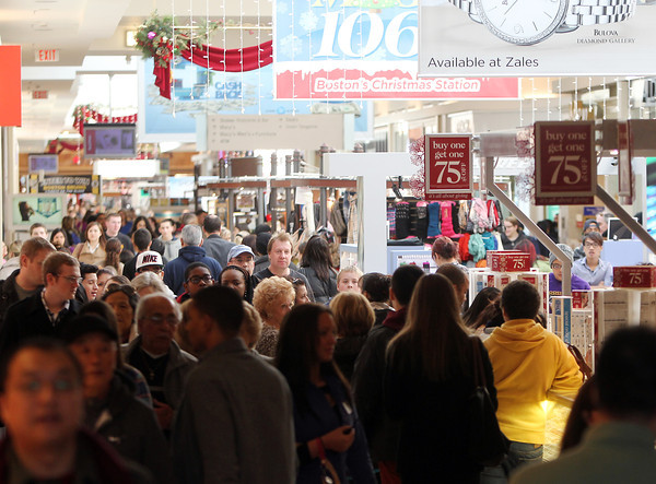 Peabody: The North Shore Mall was packed with people on Friday afternoon as they sought out the best Black Friday deals. David Le/Salem News