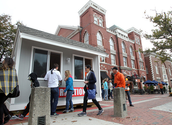 Salem: The brand new Information Center sits at the corner of Washington and Essex Streets in downtown Salem. The booth was designed by Assistant Building Inspector Michael Lutrzykowski and was built by Lutrzykowski and Building Inspector Tom St. Pierre. David Le/Salem News
