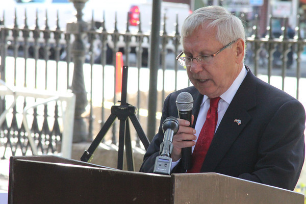 Former Peabody Mayor Mike Bonfanti speaks Oct. 16 during the official groundbreaking ceremony for the city's Main Street Corridor Realignment project. <br /> Staff photo by Alan Burke