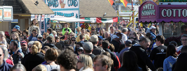 Topsfield:<br /> The crowd at the Topsfield Fair on the last day of the fair.<br /> Photo by Ken Yuszkus, The Salem News,  Monday, October 14, 2013.