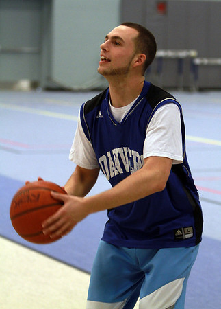 Danvers junior Nick McKenna practices shooting during practice on Wednesday. David Le/Staff Photo