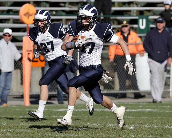 Swampscott wide receiver Richard Sullivan (17) takes off down field for a big gain against Beverly on Saturday afternoon. David Le/Salem News