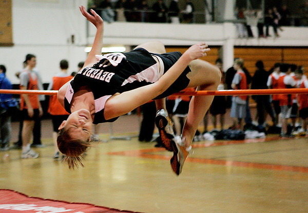 Beverly: Beverly's Katie Von Zweck competes in the high jump during their meet against Lynn Classical at Beverly High School Thursday evening. Photo by Deborah Parker/Salem News Thursday, January 22, 2009.