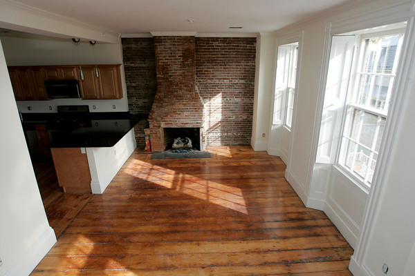 Salem: A view of the living room and kitch of a second floor condo unit at 1 Hamilton Street, Salem. Photo by Deborah Parker/Salem News Saturday, November 1, 2008.