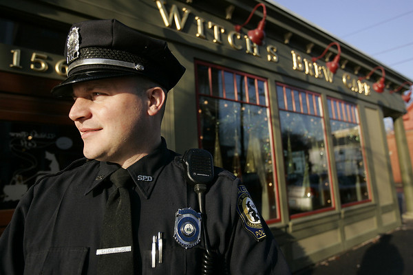 Salem: Officer Kristian Hanson saved a man from choking at the Witch's Brew about a week ago. The victim was unable to breathe, in respiratory arrest, unconscious and very close to death before Hanson was able to dislodge a piece of steak from the man's airway and buy time before EMTs arrived.Photo by Deborah Parker/Salem News Friday, November 28, 2008
