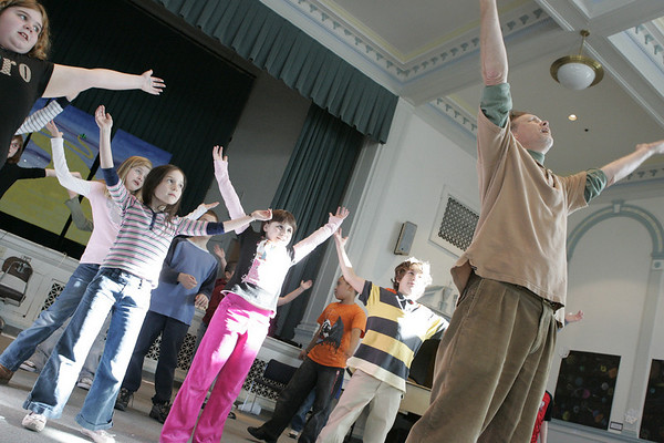Salem: Third and fourth grade Saltonstall School students warm up during dance class taught by Carl Thomsen as part of the special legends program at the school. The students were learning a dance to a song about the midnight ride of Paul Revere. Photo by Deborah Parker/Salem News Wednesday, January 14, 2009.
