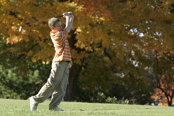 Wenham: Marblehead middle schooler, Sam Stern drives the ball down the course during the first ever Danvers-Marblehead middle school golf match held at Lakeview Golf Course Thursday.<br /> Photo by Deborah Parker/Salem News Thursday, October 23, 2008
