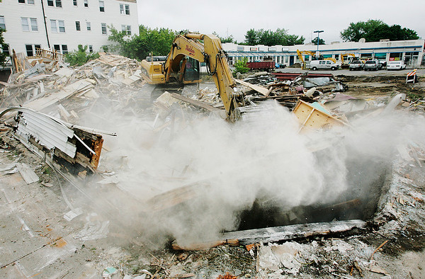 The Elliot Chambers (?) building is demolished. Photo by Deborah Parker/July 8, 2009