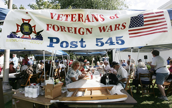 A large crowd attends the Veterans Cookout at Lynch Park Friday afternoon, as part of Beverly Homecoming. Photo by Deborah Parker/August 7, 2009