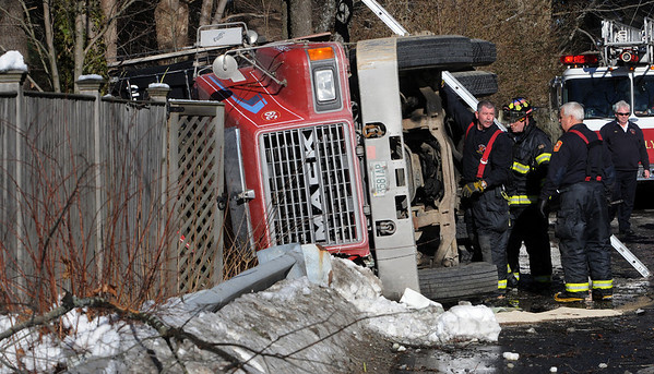 Beverly:<br /> The scene at the tractor trailer rollover on Hart Street.<br /> Photo by Ken Yuszkus/Salem News, Thursday, January 7, 2010