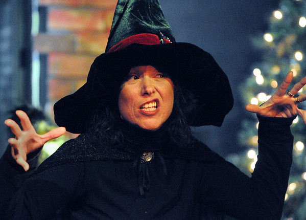 Salem:<br /> Susie Lord plays professor Prettypaws during The Harry Potter Wizards Show at The Griffin Theatre on Sunday.<br /> Photo by Ken Yuszkus/Salem,  News, Sunday,  December 26, 2010.