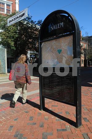 Salem:<br /> The pedestrial kiosk which displays maps of Salem is located on Essex Street by Washington Street.<br /> Photo by Ken Yuszkus/Salem News, October 7, 2008.
