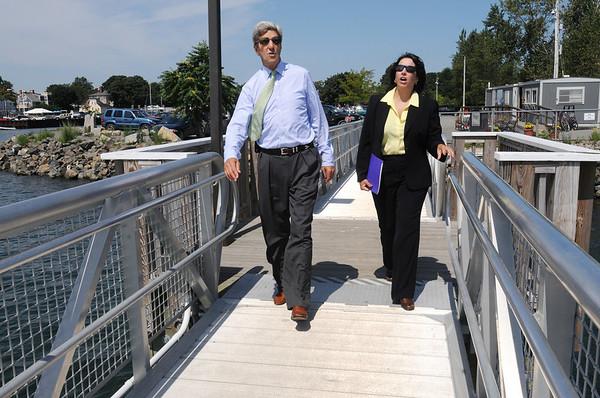 Salem:<br /> Senator John Kerry and Salem Mayor Kim Driscoll visit the Blaney Street Landing which is where the  Salem Ferry docks. Senator John Kerry and Mayor Kim Driscoll toured various areas of Salem.<br /> Photo by Ken Yuszkus/Salem News, Wednesday August 11, 2010.