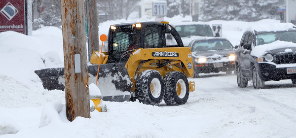 Hamilton:<br /> Snow plowing along Bay Road in Hamilton on Tuesday afternoon.<br /> Photo by Ken Yuszkus/Salem News, Tuesday, February 1, 2011.
