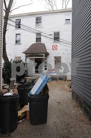 Salem:<br /> The house at 142 Bridge Street that will be demolished.<br /> Photo by Ken Yuszkus/Salem News, Friday December 19, 2008.