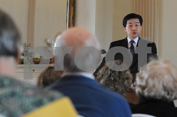 Salem:<br /> Sung - Yoon Lee, adjunct assistant professor of international politics, the Fletcher School, Tufts University, lectures at the Hamilton Hall.<br /> Photo by Ken Yuszkus/Salem News, Thursday,  February 19, 2009