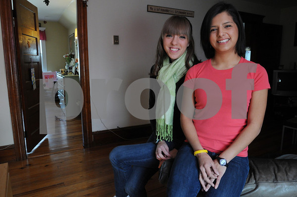Salem:<br /> Nicole Downing, left, and Elisa Lynch, Salem State College roommates, are both Hodgkin's Lymphoma survivors.<br /> Photo by Ken Yuszkus/Salem News, Monnday,  February 23, 2009.