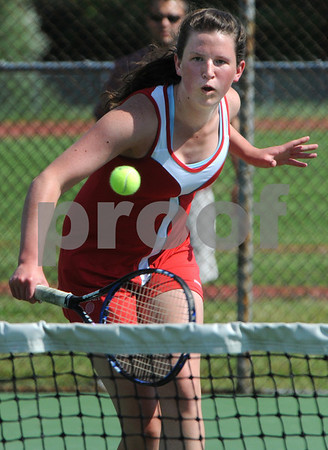 Topsfield:<br /> Masconomet's Heather Nelson returns the ball during her match. Masconomet played Lincoln-Sudbury in Division 1 North playoff quarterfinals in girls tennis.<br /> Photo by Ken Yuszkus/Salem News,  Tuesday, June 2, 2009.