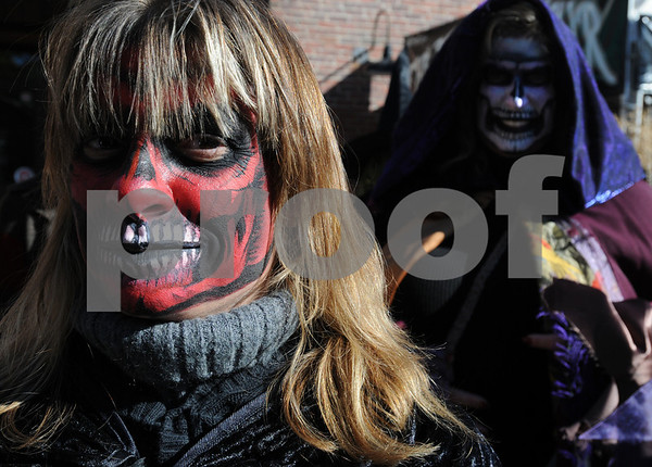 Salem:<br /> Sheri Howell of Tannersville, PA, walks through Salem with her scary makeup in the afternoon. Thousands are expected to descend upon Salem tonight for Halloween.<br /> Photo by Ken Yuszkus/Salem News, Friday, October 31, 2008.