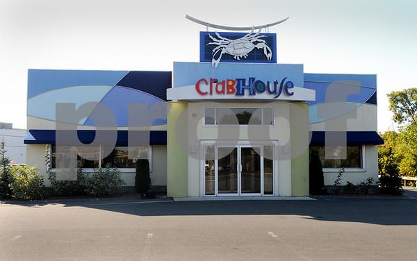 Danvers:<br /> The Crab House restaurant on Endicott Street.<br /> Photo by Ken Yuszkus/Salem News, October 7, 2008.
