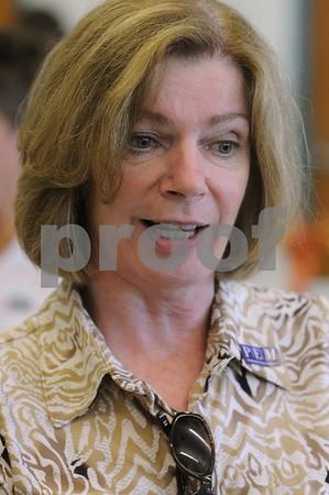 Salem:<br /> Linda Giles is a new Salem teacher.<br /> Photo by Ken Yuszkus/Salem News, Tuesday, September 1, 2009.