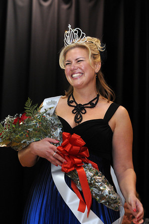 Topsfield:<br /> Leah Moreschi, the new 2011 Mrs. Essex County, who was just crowned on stage at the Coolidge Hall at the Topsfield Fair Sunday afternoon.<br /> Photo by Ken Yuszkus/Salem News, Sunday,  October 10, 2010.