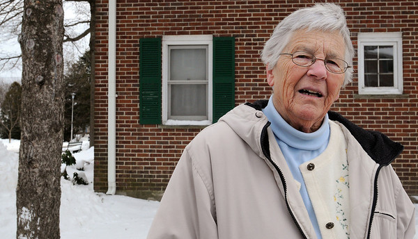 Ipswich:<br /> Ella Young, resident of Whittier Manor, speaks about some of the various problems on the grounds of the senior public housing that need to be corrected.<br /> Photo by Ken Yuszkus/Salem News, Tuesday, January 5, 2010