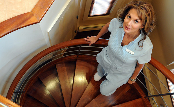 Marblehead:<br /> Dayle Ciampa-Goldstein is the owner of DayleÕs European Skincare and Day Spa. The spa is celebrating 25 years in business in November.<br /> Photo by Ken Yuszkus/Salem News, Friday November 13, 2009.